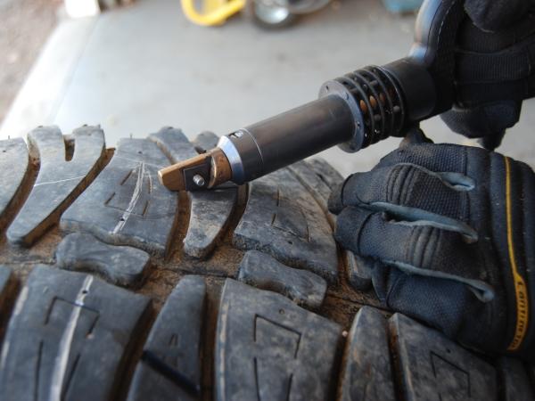tire grooving machine