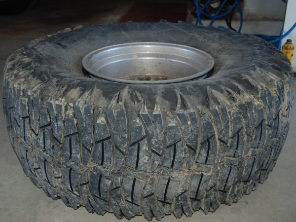 Cheap Off Road Tires >> LiftLaws.com - Is Tire Grooving Street Legal?